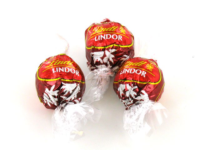 Lindt Lindor Milk Chocolate Truffles - 1 piece