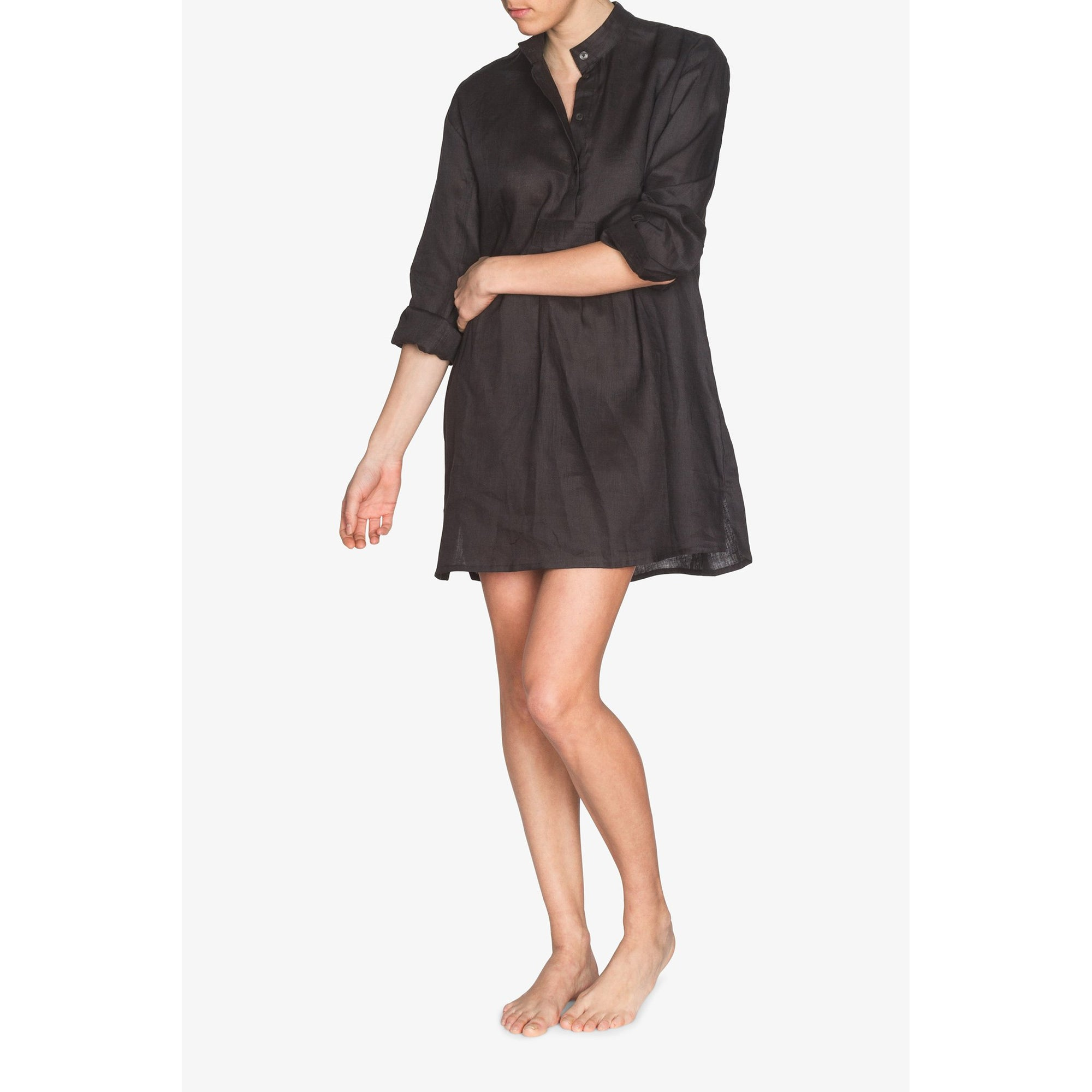 Short Sleep Shirt in Black Linen
