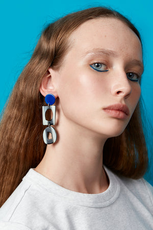 Collector Earring (Azure Chrome)