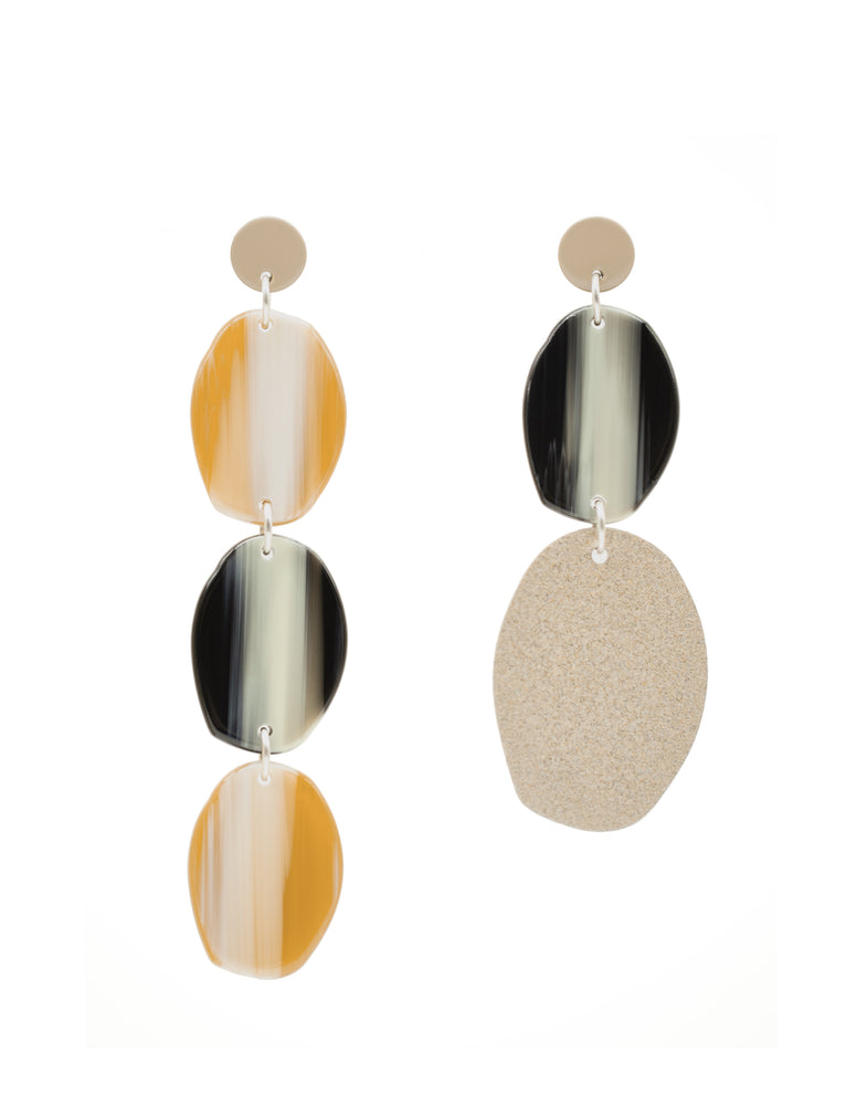 Mismatched Pebble Earrings (Tan)