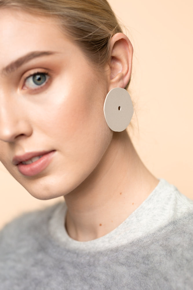Eye Earrings (Eggshell)
