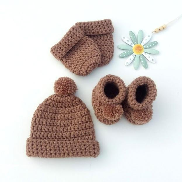 BABY HAT AND BOOTIE SETS