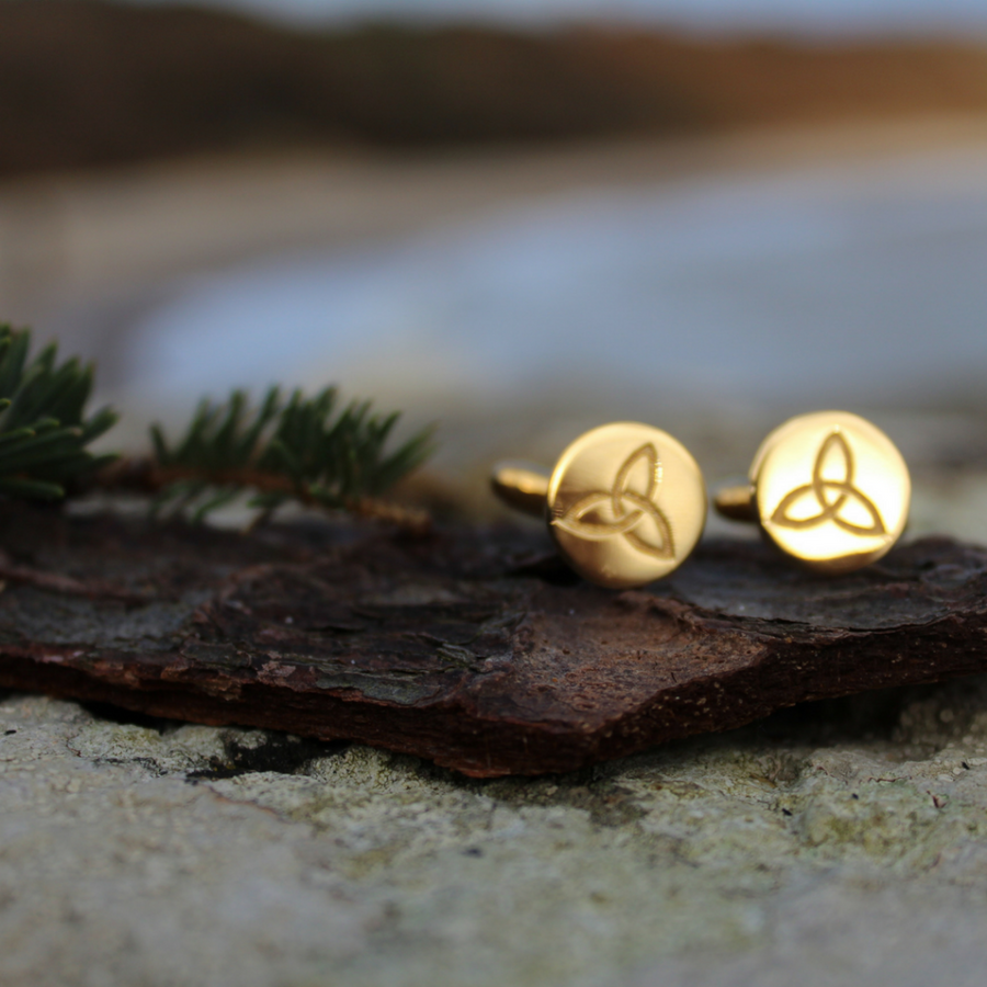 ETERNITY GOLD CELTIC KNOT CUFFLINKS (Symbolising Eternal Love and Protection)