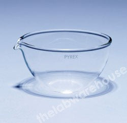 BASIN EVAPORATING PYREX FLAT BOTTOM CURVED SIDES SPOUT 320ML