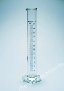 CYLINDER PYREX CL.B HVY DUTY GRAD. WITH SPOUT 250ML