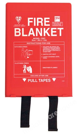 FIRE BLANKET 1100 X 1100MM IN PLASTIC WALL-MOUNTING CASE
