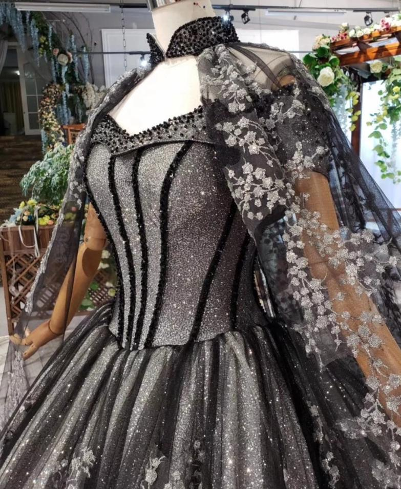 Luxury  Black Gothic Wedding Dress with Cape