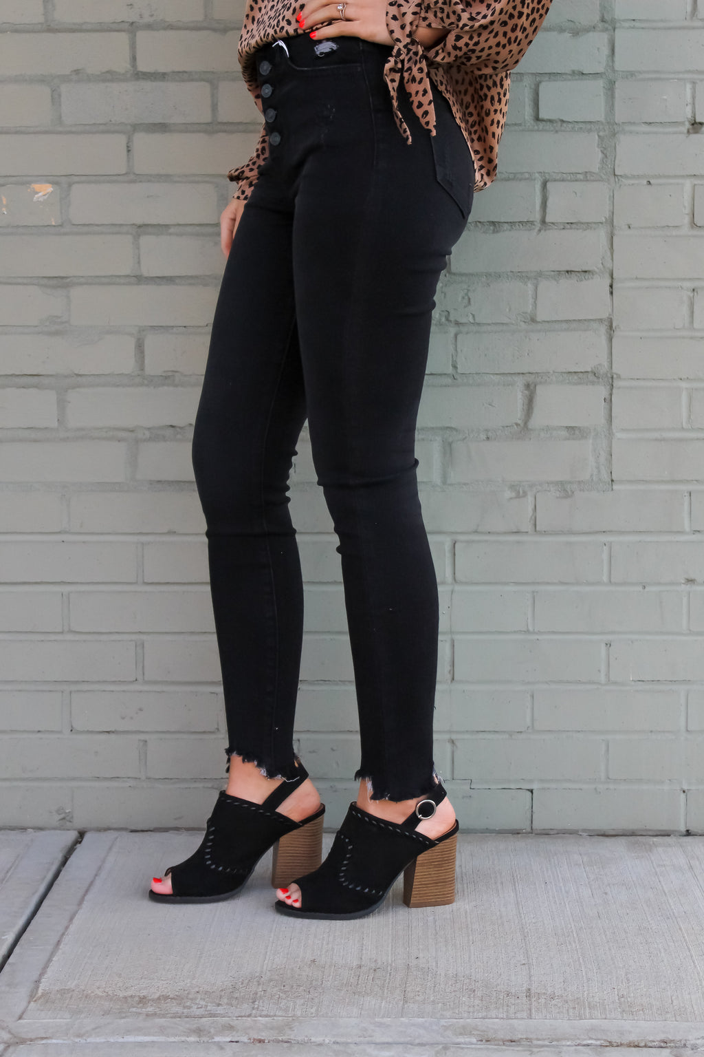 Jada Distressed High Rise Jeans