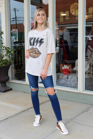 Leopard KISS Distressed Tee
