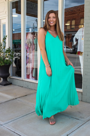 Groovy Green Pleated Maxi