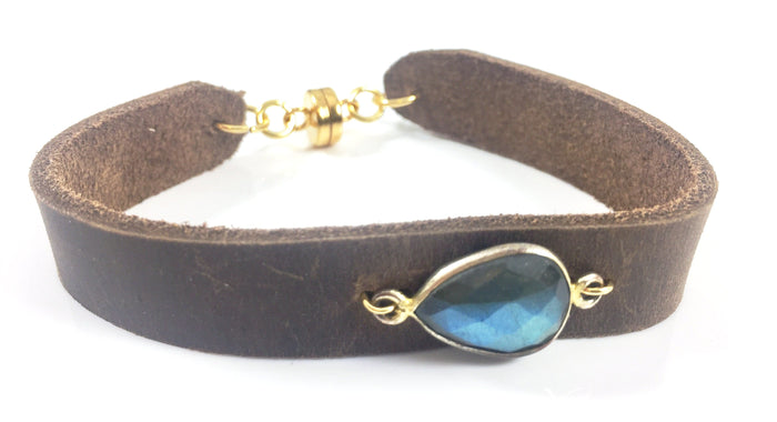 Side Teardrop Labradorite Leather Bracelet