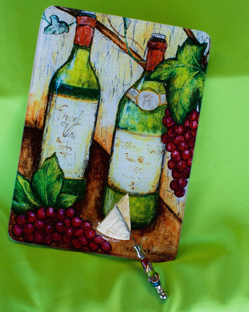 Jazzy Artz White Wine Cutting Board