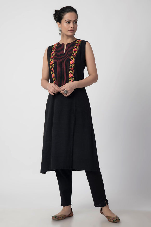 Black Kashmiri Embroidered Woven A-Line Slit Kurta