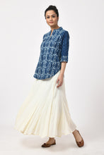 Load image into Gallery viewer, Indigo Dabu Block Print Cotton Top