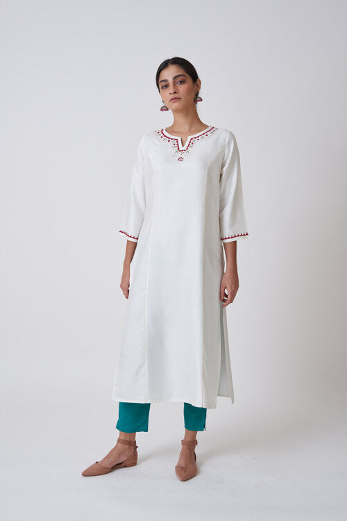 Off White Round Neck Embroidered Kurta With Princess Seam