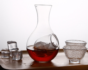 Wine Decanter with Cooling Insert