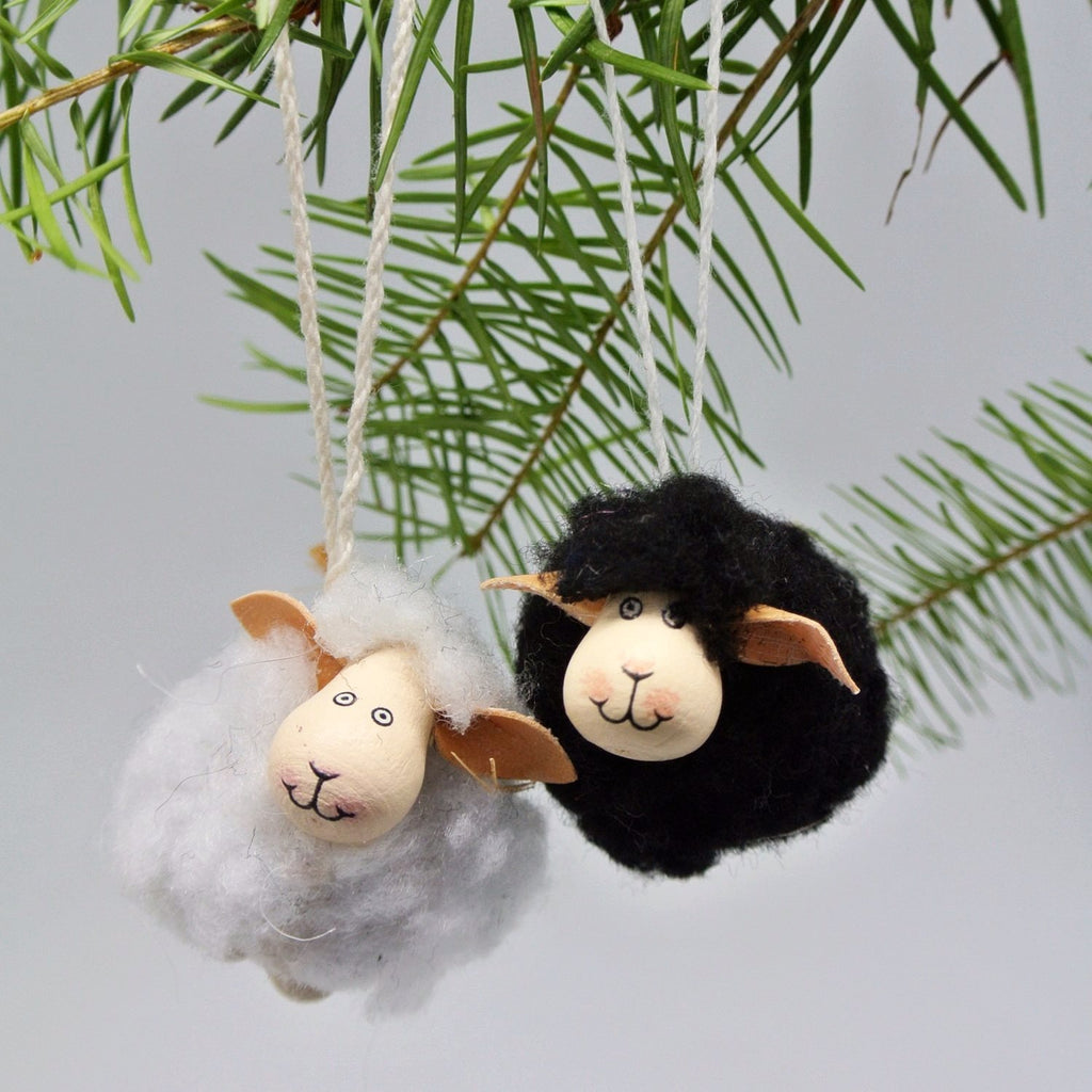 twang and pearl wooly sheep ornament