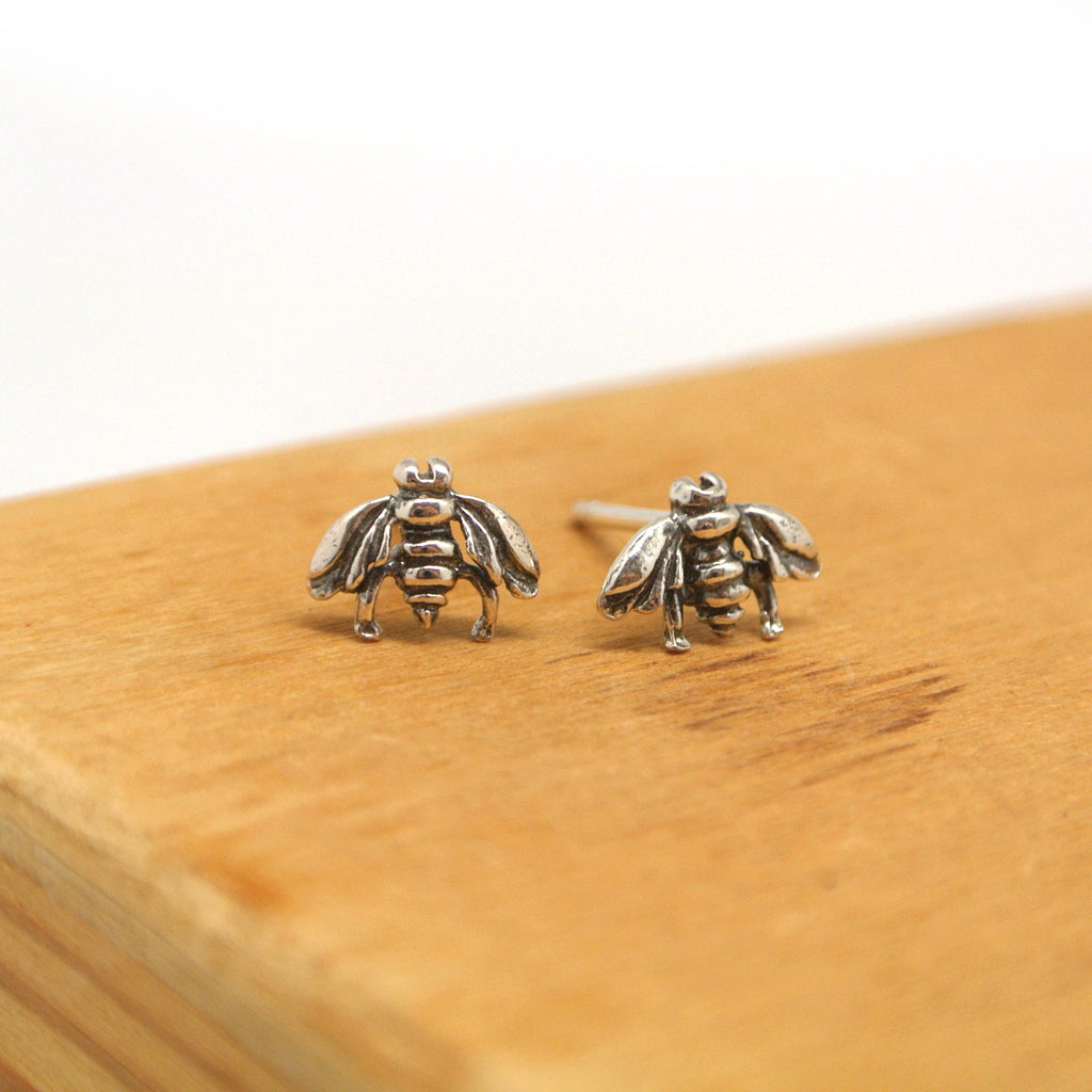 twang and pearl sterlin silver stud animals bees
