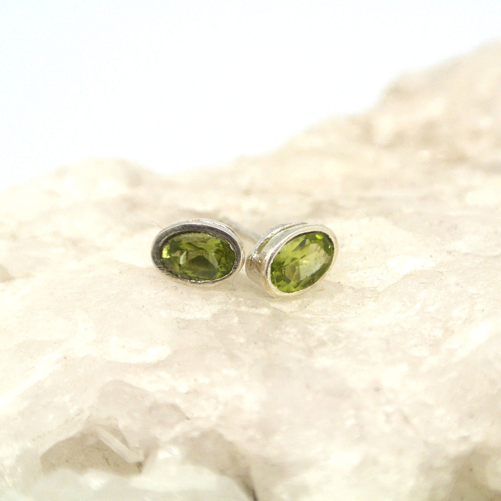 twang and pearl gem stone studs large peridot