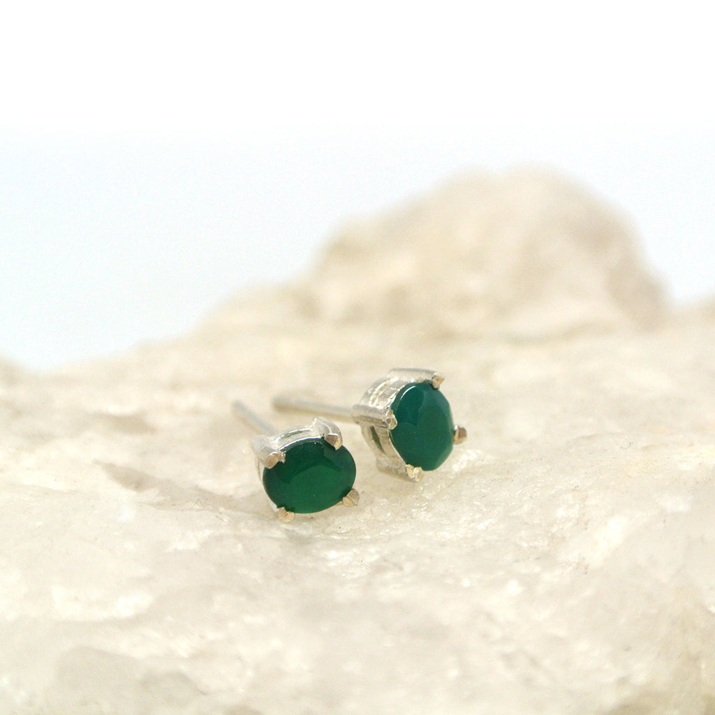 twang and pearl gem stone studs small green quartz