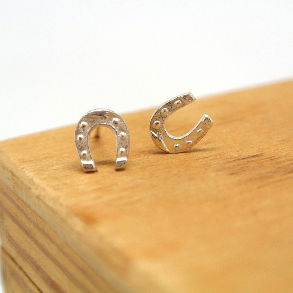 twang and pearl sterling studs hobbies horseshoe