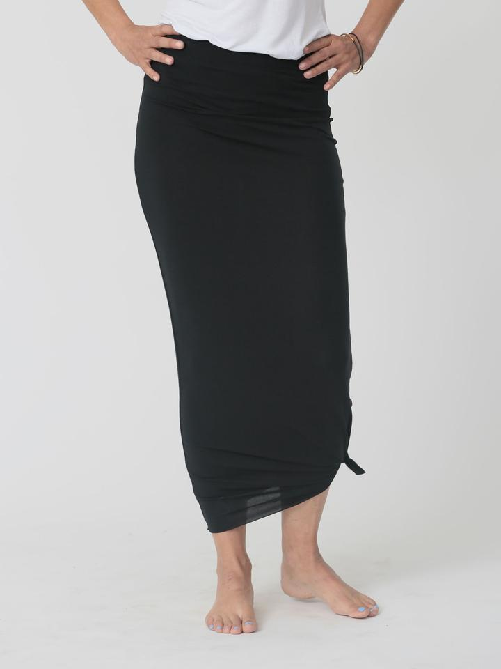 qube maxi skirt black at twang and pearl