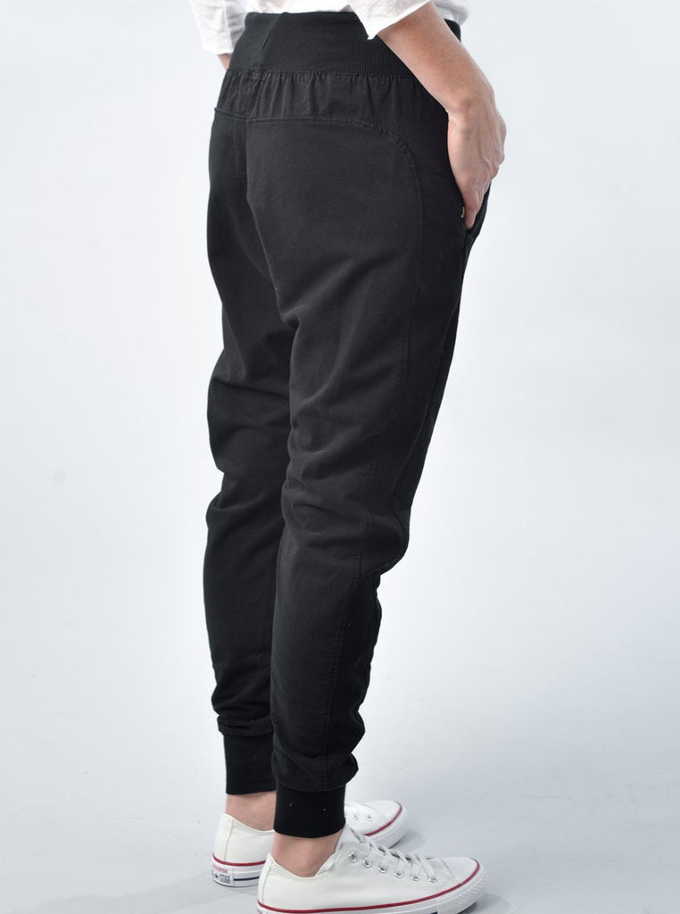 Suzy D London - The Ultimate Jogger - Black
