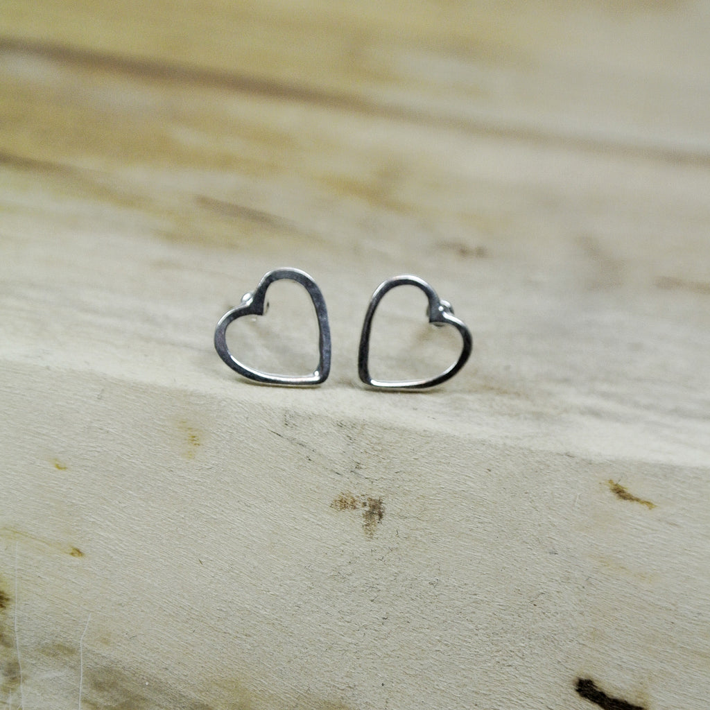 open heart stud silver twang and pearl