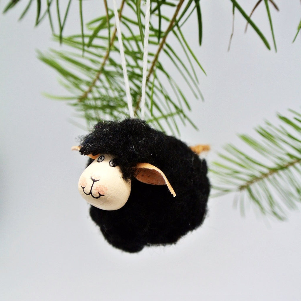 twang and pearl wooly sheep ornament black