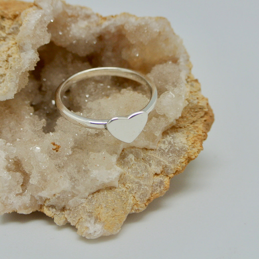 twang and pearl silver heart ring