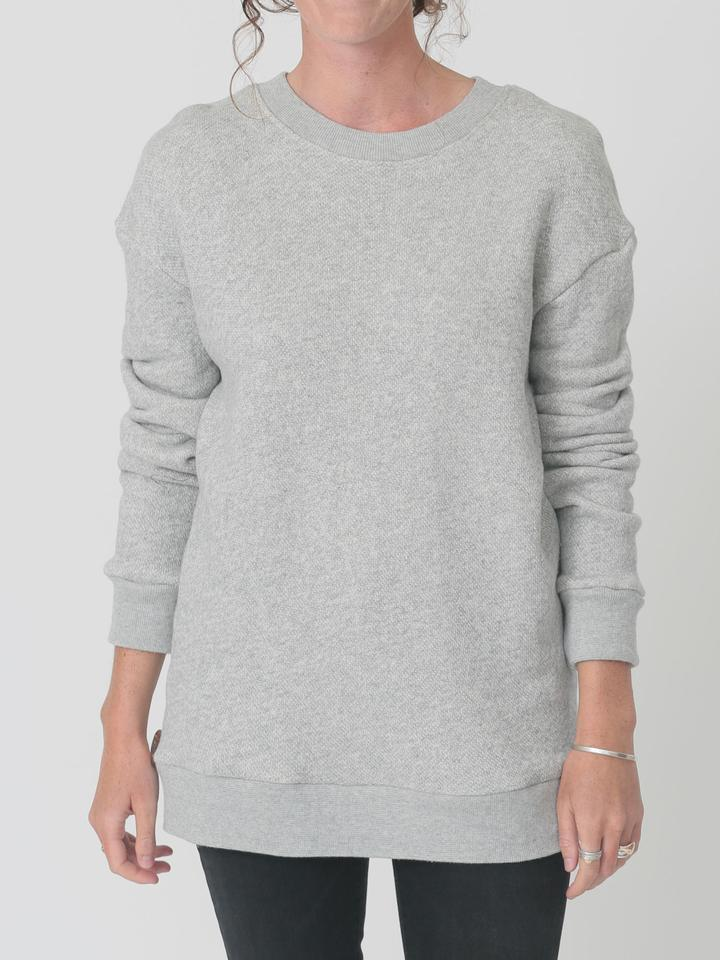 qube qrew sweater in grey at twang and pearl