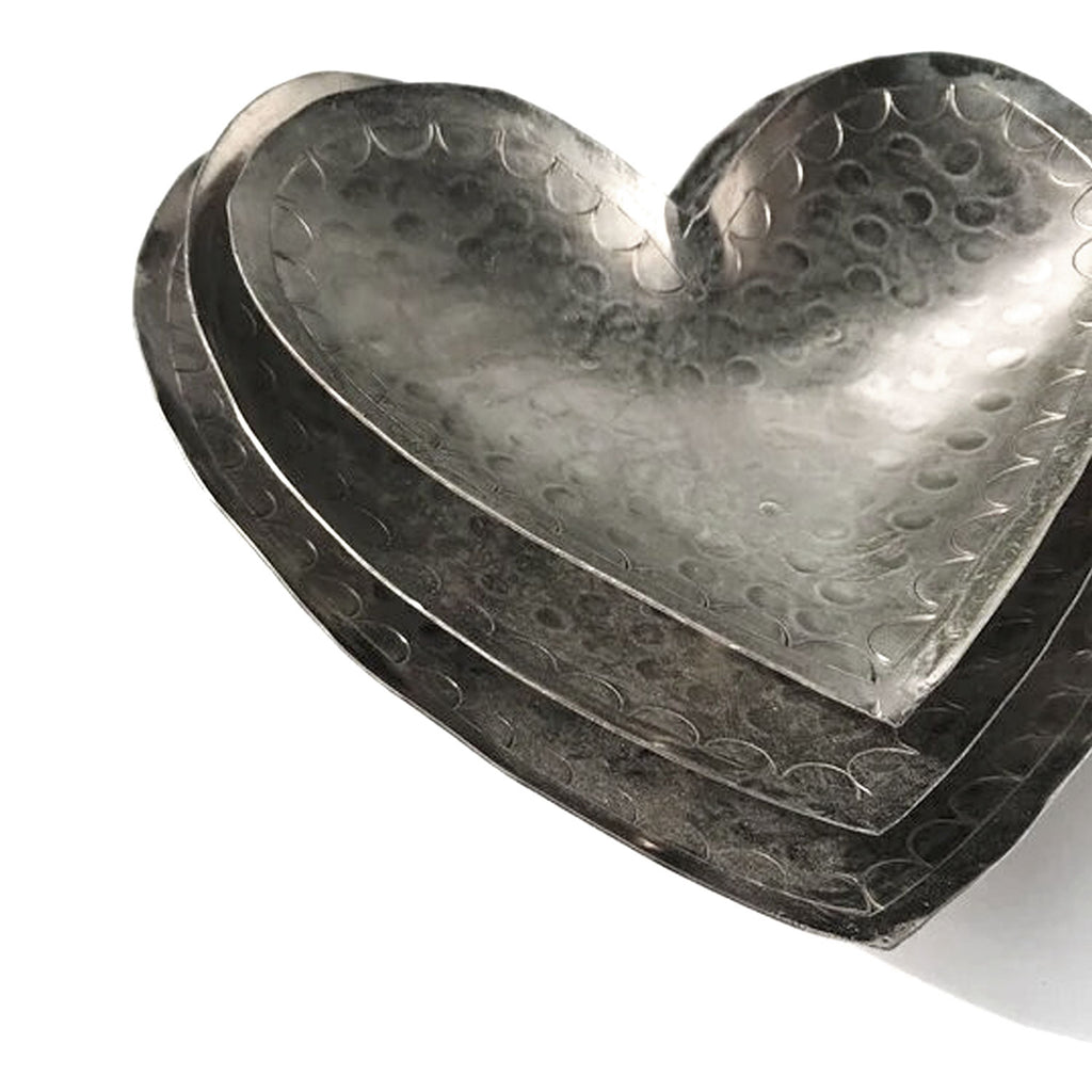 Twang and Pearl - Tin Heart Trays
