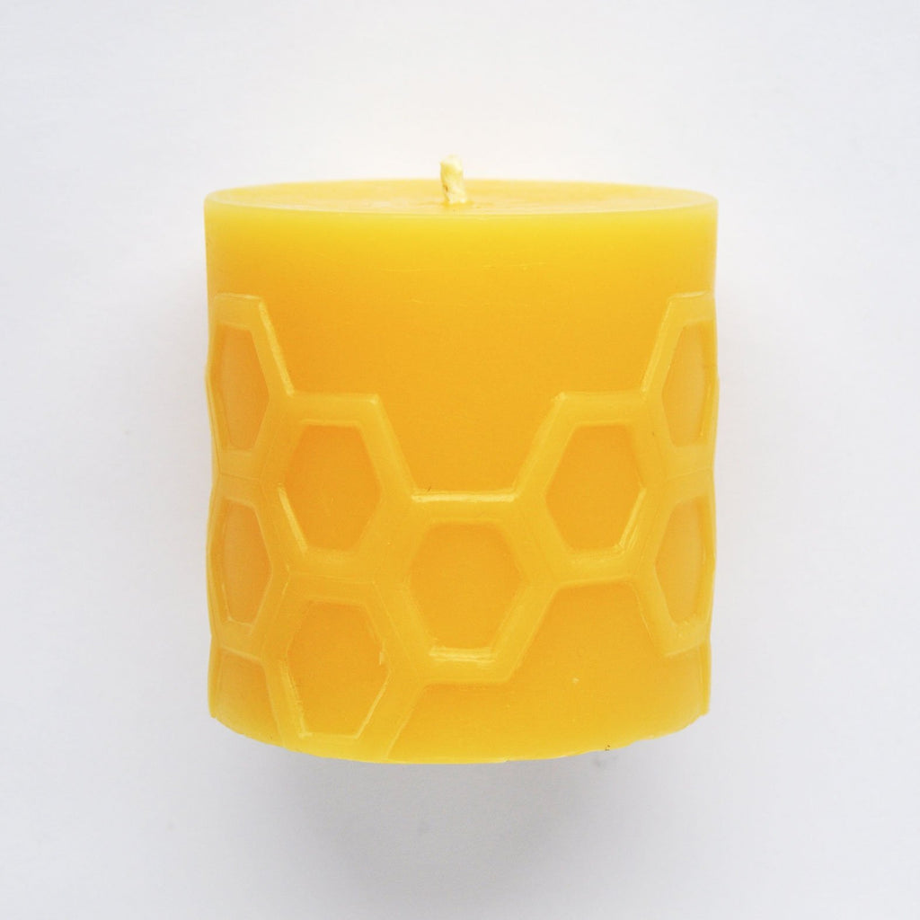 twang and pearl bees wax works candle Hex 3.0
