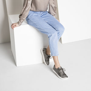 Birkenstock Arran Sneaker - Silver Leather Lifestyle Image