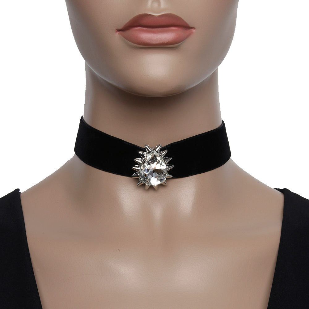 2.5cm Velvet Choker with Oval Diamante Pendant