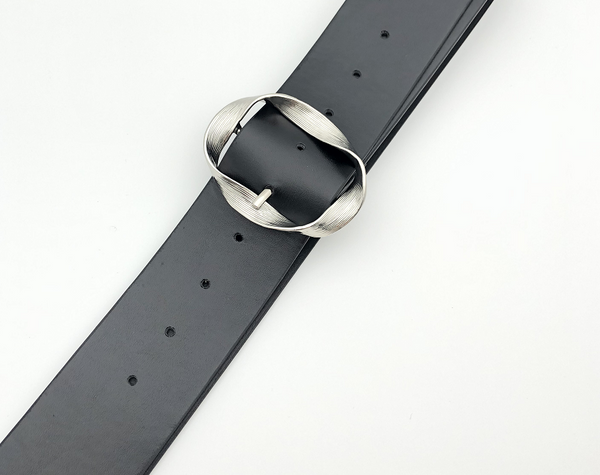 Black Silver Twist Buckle Belt