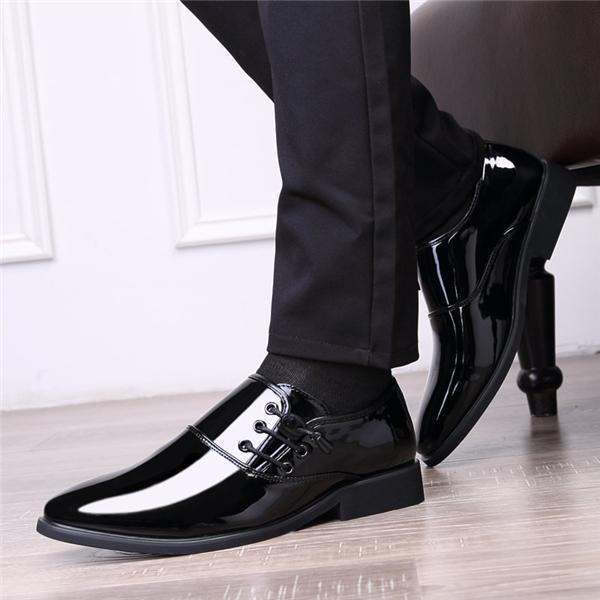 Men Classic Patent Leather Shoes