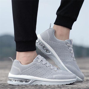 Large Size Men Knitted Fabric Breathable Lightweight Running Sneakers