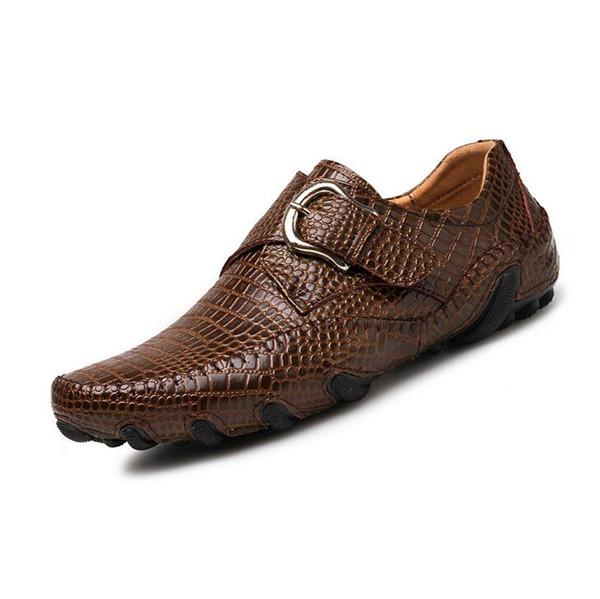 Men Hand Stitching Crocodile Leather  Hook-Loop Casual Leather Shoes