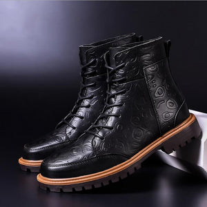 Men Carved Warm Plush Lining Casual Ankle Boots