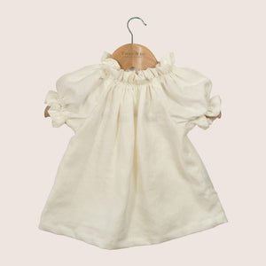 New from Twee & co the Poppet blouse - organic linen cream. Made from natural organic fabrics and made by Twee & co Organic Boutique - Made in New Zealand. Shop online organic children's clothes and organic baby clothes.