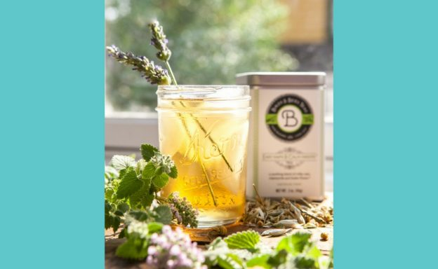 Chill Out This Summer with Easy Loose Leaf Iced Tea