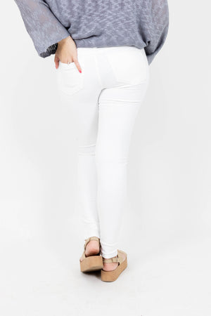 High Waisted White Jeans with No Distressing and Five Pocket Design