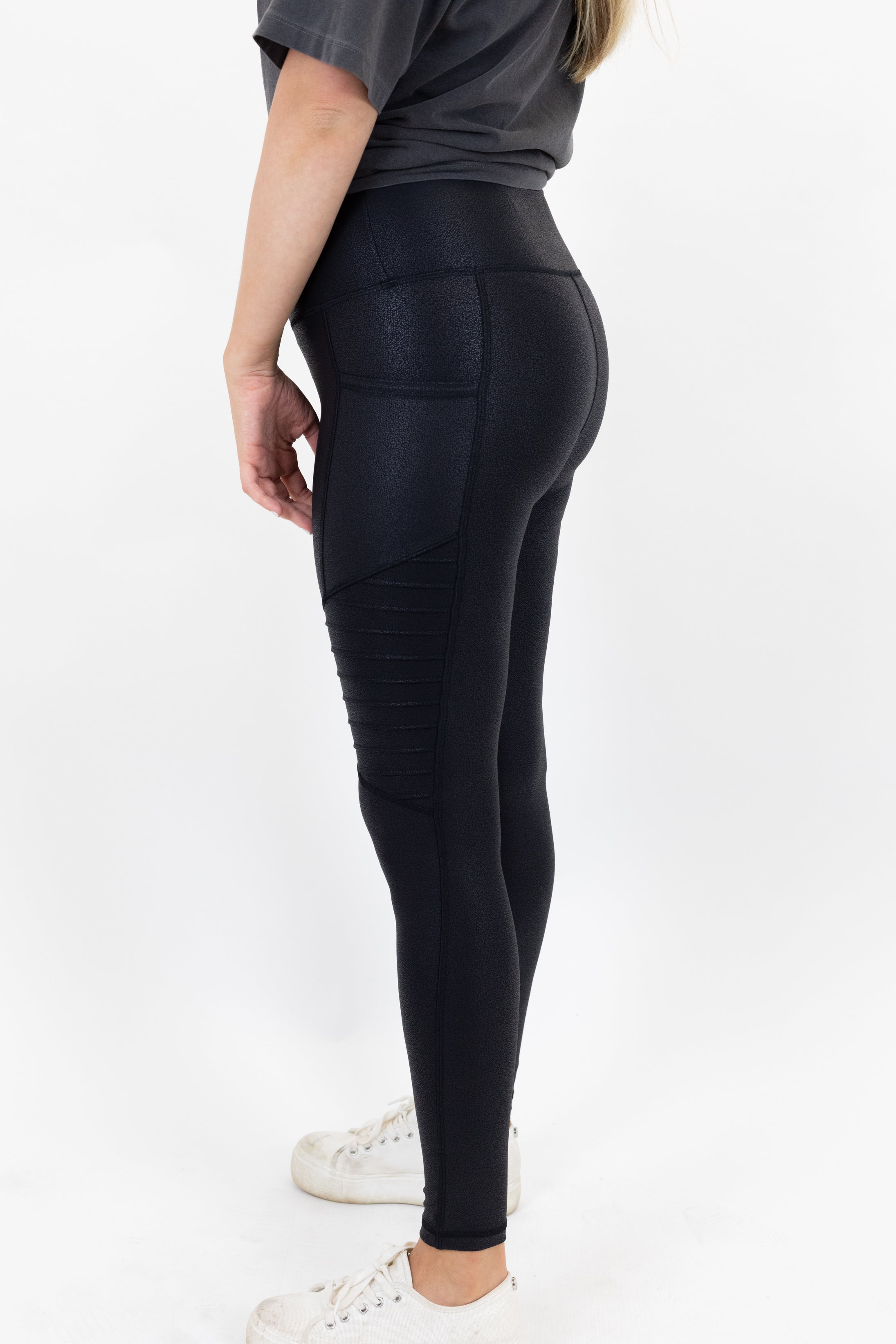Slip Into Saturday Leggings *Final Sale*