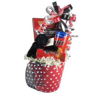 This Valentine's Day gift basket makes the perfect present for your special someone.