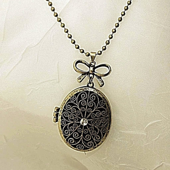 Antique/Vintage Locket Pendant Necklace