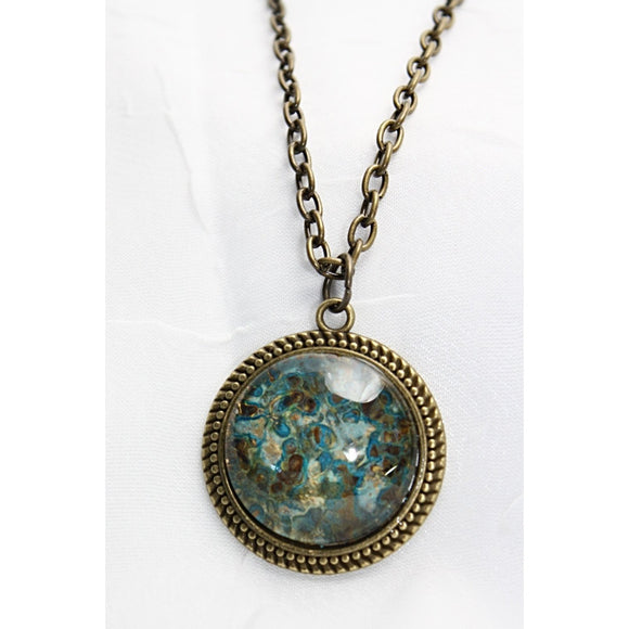 Classic Glass Cabochon Pendant Necklace