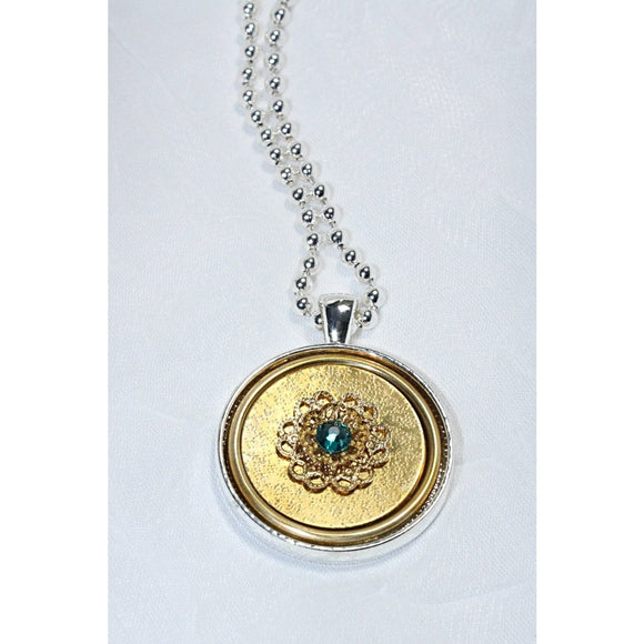 Classic Pendant Necklace with Swarovski Crystal