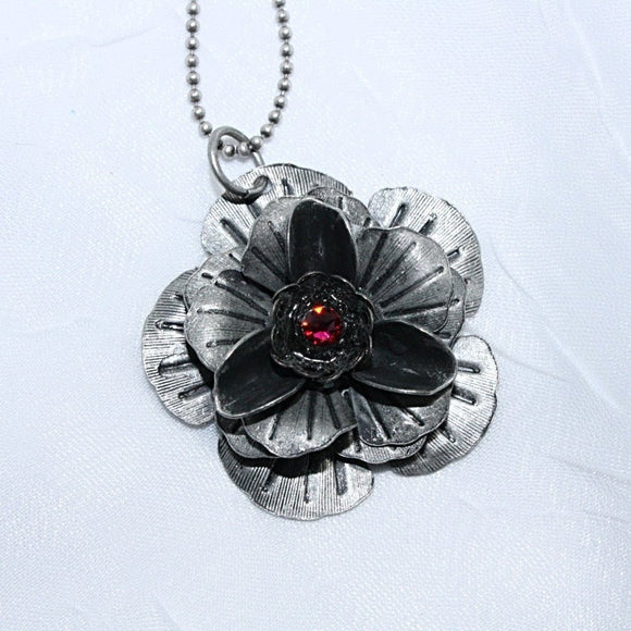 Flower Pendant Necklace with Swarovski Crystal