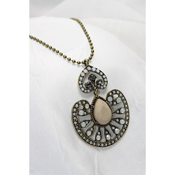 Classic Vintage Pendant Necklace